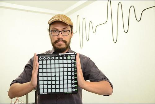 Alex Hentze es uno de los representantes de música electrónica en el país. (Foto: Selene Mejía/Soy502)
