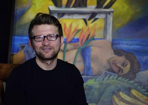 Alexandre Gurita, director de la Bienal de París, afirma que el proyecto busca estimular la creación de los artistas guatemaltecos y extranjeros residentes en el país. (Foto: Selene Mejía/Soy502)