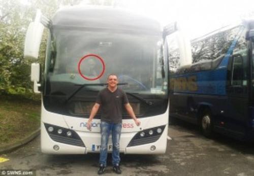 El pasajero afirma que está tan asustado que no quiere volver a viajar en bus. (Foto: dailymail.co.uk)