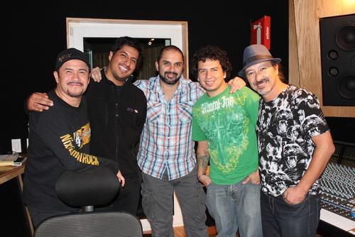 Alux realiza las grabaciones junto a Icautli Cortés, nominado a varios Grammy Latino. (Foto: Alux Nahual oficial)