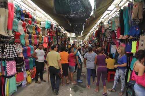 El calzado es el producto más falsificado, seguido de las prendas de vestir. (Foto: andes.info.ec)