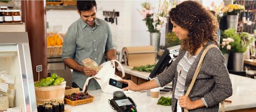 """Para pagar con el """"smartphone"""", simplemente será necesario rozar el teléfono con la terminal de tarjetas de crédito. (Foto: android.com)"""