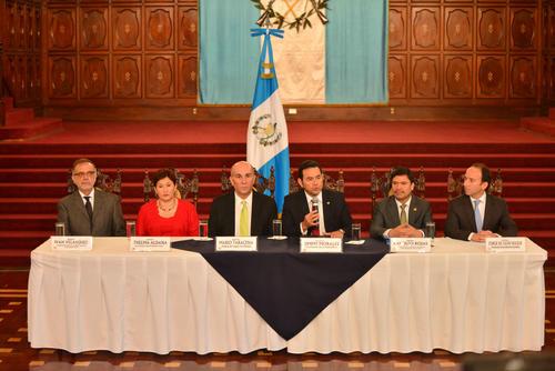 Los actores que conformaron la mesa de la primera reunión a comienzos de abril. (Foto: Jesús Alfonso/Soy502)