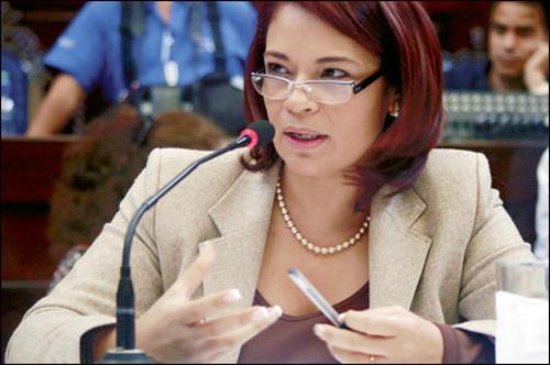 Como diputada, Roxana Baldetti encabezó un movimiento para pedirle la renuncia al presidente del Congreso Eduardo Meyer. (Foto: Jorge Palmieri)