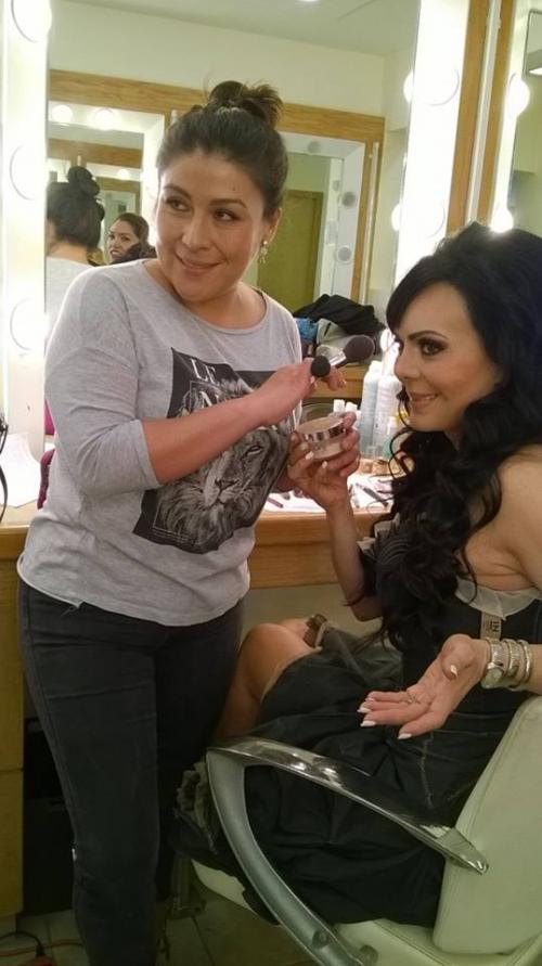 La guatemalteca Beatriz Moreno maquilla a grandes estrellas como Maribel Guardia. (Foto: Beatriz Moreno)