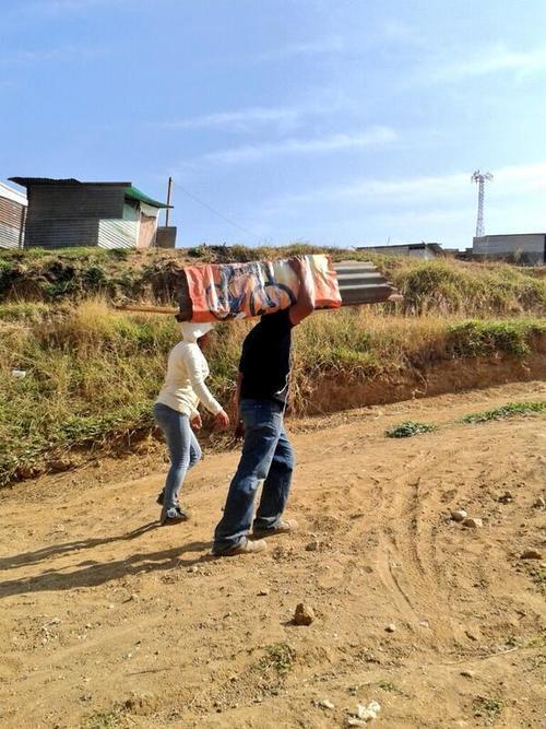 Las familias podrán quedarse más tiempo en los terrenos debido a un amparo provisional (Foto: Nuestro Diario)
