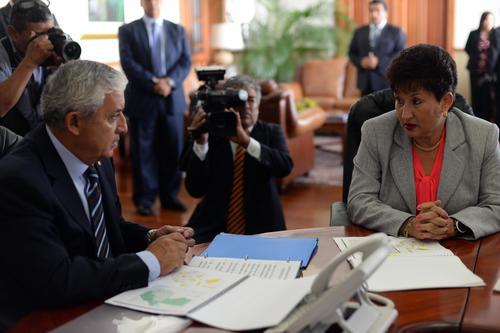 La candidata presentó su plan de trabajo al presidente en aproximadamente 30 minutos. (Foto: Esteban Biba/Soy502)
