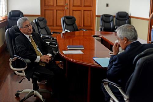 El candidato fue el único que se mostró reacio a cambiar el sistema con el que funciona actualmente el MP. (Foto: Esteban Biba/Soy502)