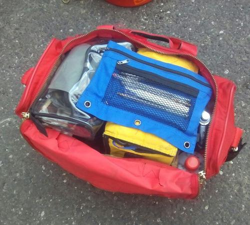 El supuesto bombero llevaba consigo un maletín de primeros auxilios que fue robado en una estación de los socorristas. (Foto: PNC)