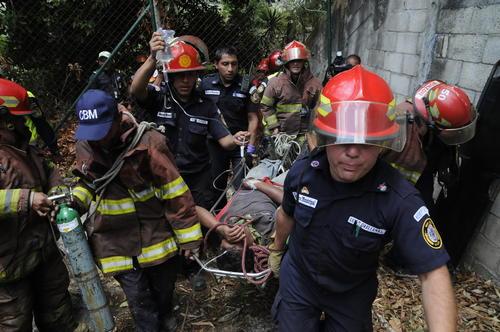 Nueve bomberos resultaron heridos, cuatro de ellos de gravedad. (Foto: Nuestro Diario)