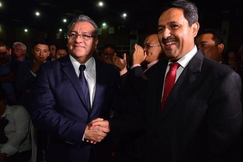 Bonerge Mejía y Óscar Cruz compiten por la magistratura titular en la CC. (Foto: Archivo/Soy502)