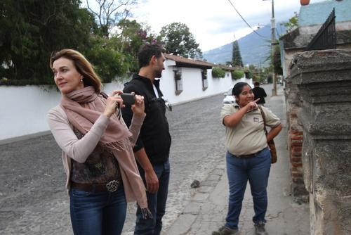 Brenda también admiró las hermosura de la ciudad colonial. (Foto: Nelo Mijangos)