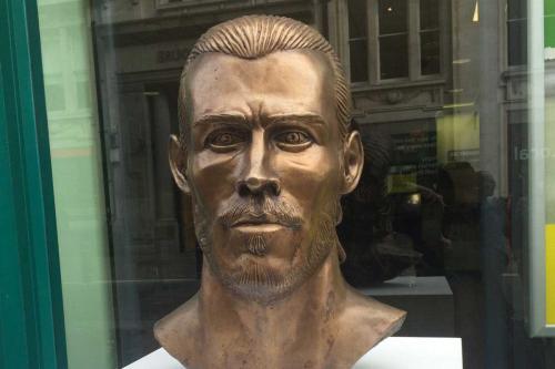 El busto de Gareth Bale está dentro de la casa de apuestas PaddyPower. (Foto: Sportyou)