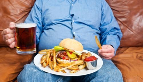 El sedentarismo, una mala alimentación y el consumo excesivo de alcohol, son factores de riesgo de cáncer mamario. (Foto: runners.es)
