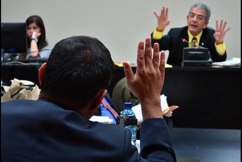 El juez Miguel Ángel Gálvez, en audiencia del caso de corrupción en el Sistema Penitenciario donde se involucra al convicto Byron Lima. (Foto: Archivo/Soy502)