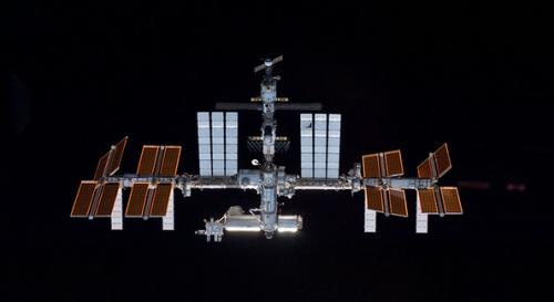 Fotografía tomada desde fuera de la estación espacial. (Foto: NASA)