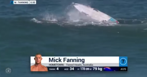 El tiburón tiró de la tabla al australiano Mick Fanning. (Foto: Tomada de video de YouTube).