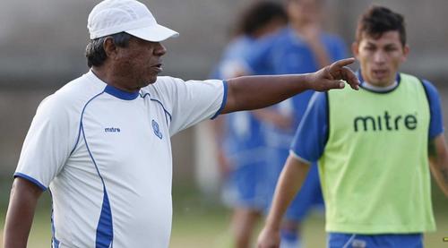 """El """"Primi"""" Maradiaga dirige actualmente su quinta eliminatoria rumbo a un Mundial. Dos procesos con Honduras, dos con Guatemala y ahora está con El Salvador. (Foto: EL Gráfico)"""