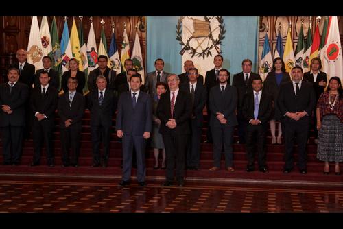 El Ejecutivo presentó y juramentó a los nuevos gobernadores departamentales después de publicar el nombre de los candidatos. (Foto: Archivo/Soy502)