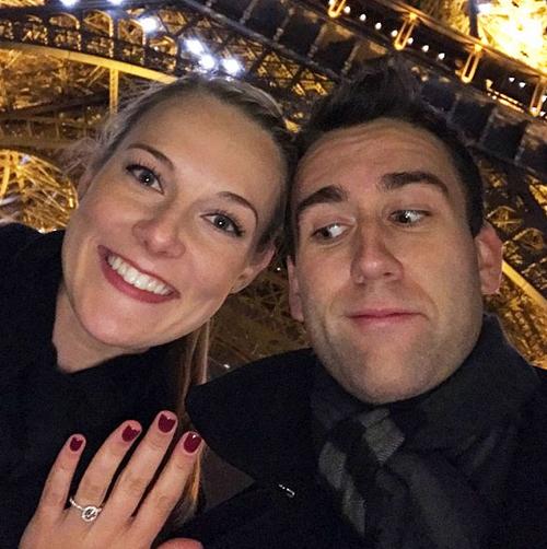La pareja celebró el compromiso. (Foto: Instagram)