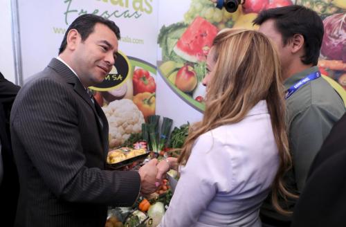 Jimmy Morales asistió a la inauguración de la feria. (Foto: Gobierno)