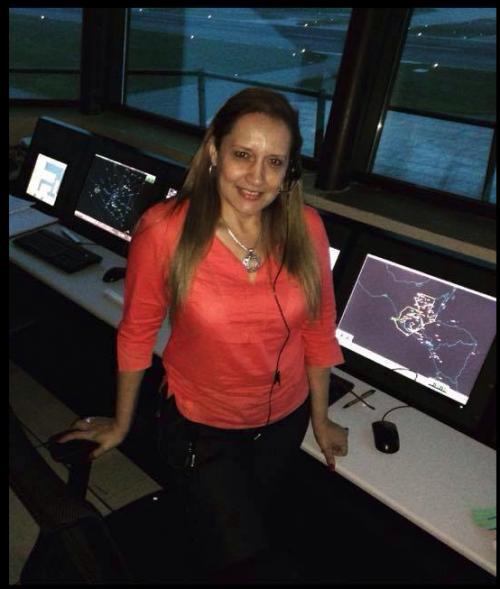 La esposa de Aparicio era controladora aérea y fue despedida la semana pasada. (Foto: Facebook)