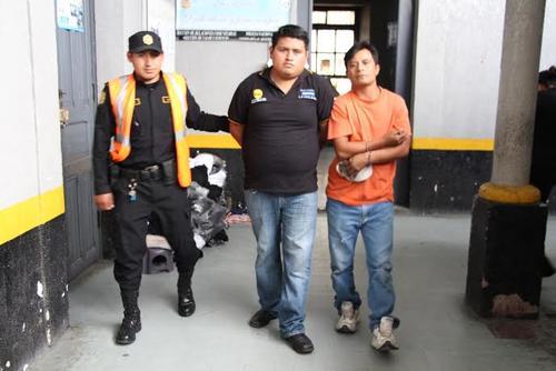 Los detenidos fueron llevados al juez de turno en Quetzaltenango para hacer saber el motivo de su aprehensión.  (Foto: PNC)