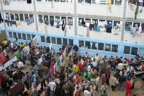 En 2010, el entonces presidente salvadoreño Mauricio Funes ordenó que el control de las cárceles de mayor peligro fuera tomado por el Ejército. (Foto: El Espectador)