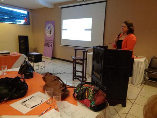 La fiscal Maldonado en una actividad de la Asociación de Mujeres Abogadas de Jutiapa, que ella preside. (Foto: Cortesía Familia Maldonado)