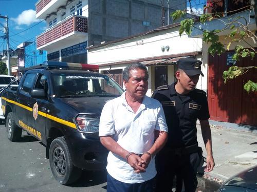 Las autoridades detuvieron a Marvin Aroldo López Jiménez, de 51 años, durante los allanamientos. (Foto: PNC)