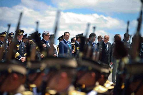 Jimmy Morales descansa en asesores militares. Aquí, en la celebración del día del Ejército. (Foto: Jesús Alfonso/Soy502)
