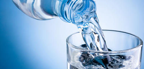 Tomar bebidas con más de 65°C podrían causar cáncer. Sin embargo, si el agua es templada, existen varios beneficios para la salud. (Foto: www.ento2.net)