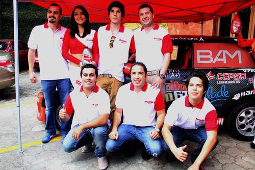 Los integrantes del Team Cepsa fueron presentados en la conferencia de prensa del Gran Premio Cepsa, que se corre el domingo 23 de febrero, en el autódromo Pedro Cofiño. (Luis Barrios/Soy502)