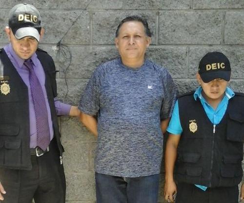 El maestro Gustavo Ascencio fue ligado a proceso el 5 de abril en la madrugada por el delito de homicidio culposo. (Foto: Archivo/Soy502)