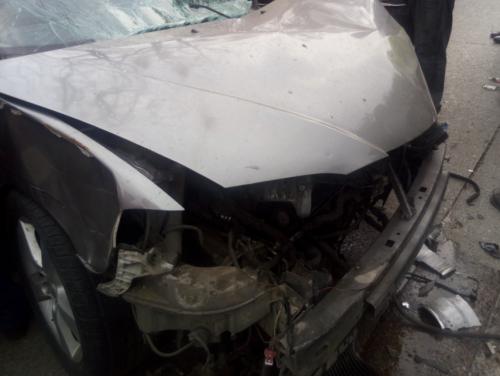 El vehículo quedó totalmente destruido luego de chocar contra la parada del Transmetro. (Foto: Amílcar Montejo/PMT)