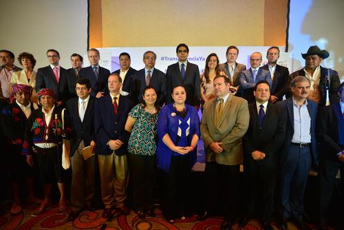 """Parte de las asociaciones que integran el Foro Guatemala participaron en el Congreso """"Ciudadanos contra la corrupción"""" de finales de mayo. (Foto: Wilder López/Soy502)"""