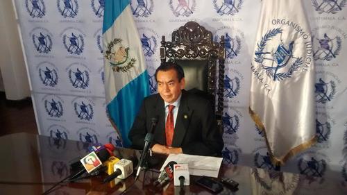 El presidente de la Corte Suprema de Justicia, Josué Felipe Baquiax, informó del déficit presupuestario de ese organismo. (Foto: OJ)