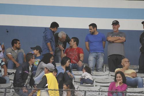 El exjugador paraguayo Salvador Cabañas vio el partido desde el palco. El guaraní está en el país dictando charlas de motivación. (Foto: Orlando Chile/Nuestro Diario)