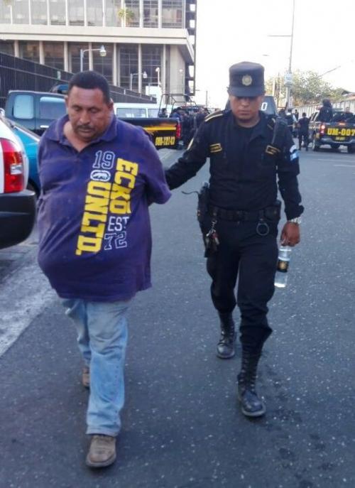 La PNC detuvo a José Osorio Escobar por ser el supuesto responsable de atropellar a dos mujeres en la ruta al Atlántico. (Foto: PNC)