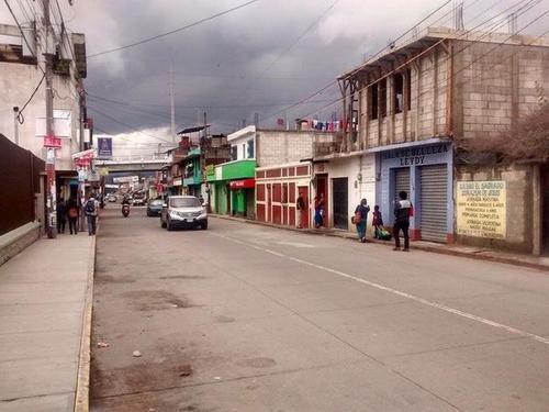 El enfrentamiento en Chimaltenango también llevó al cierre temporal de varios comercios. (Foto PNC)