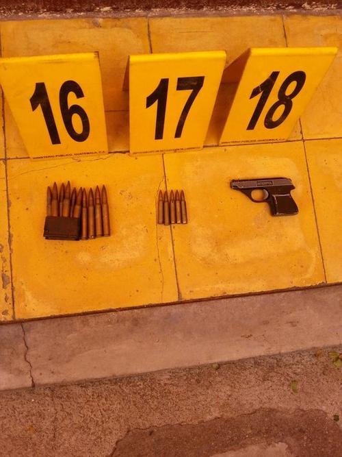 En la vivienda del supuesto abogado se localizaron armas de fuego. (Foto MP)