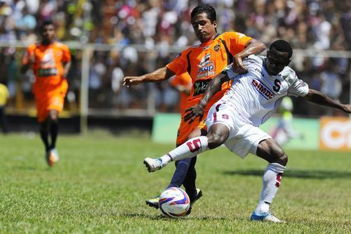 En Puntarenas jugó por primera vez en Costa Rica, el delantero nacional. (Foto: Archivo)