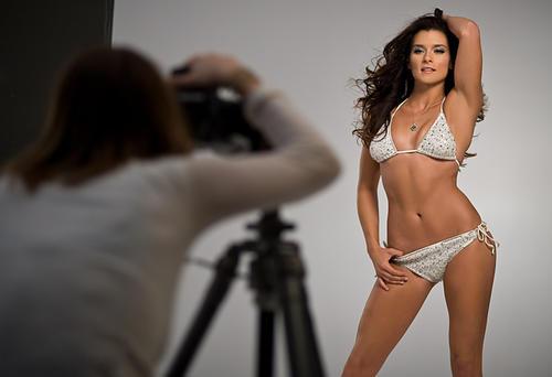 Danica Patrik ha sido la protagonista de innumerables campañas publicitarias. (Foto: Wugange)