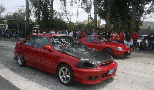 Este domingo volverá la acción en la pista Raceway en el kilómetro 75.5 a Puerto Quetzal. (Foto: César Pérez)