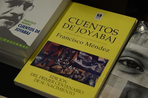 Las recomendaciones de los escritores guatemaltecos no puede faltar en tu biblioteca personal. (Foto: Selene Mejía/Soy502)