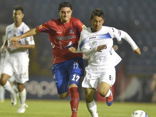 """Por """"desequilibrante"""" es recordado Diego Estrada en los albos. (Foto: Archivo)"""