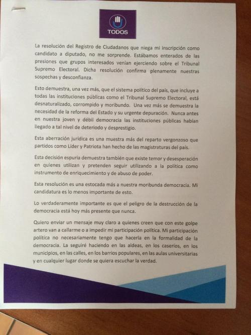 Esta es una parte del discurso con el que se apoyó Alfonso Portillo en su conferencia.  (Foto: Roberto Caubilla/Soy502)