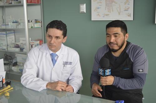 González y Romero establecieron la unidad de mano del hospital Roosevelt. (Foto: Camila Chicas Callén/Soy502)