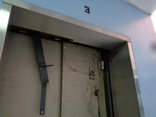 Algunos elevadores están totalmente fuera de servicio. (Foto Marcia Zavala/Soy502)