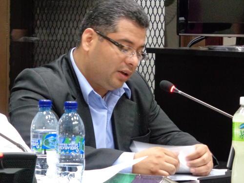 El fiscal José Maldonado, no podrá acercarse a las instalaciones del Ministerio Público. (Foto: Evelyn de León/Soy502)
